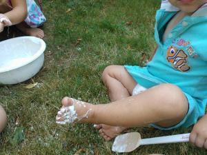 messy play outdoors