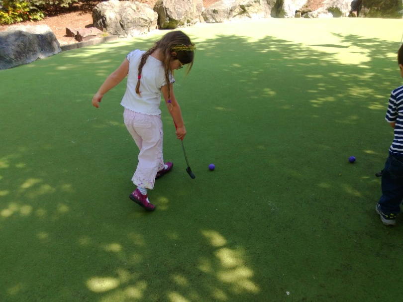 playing golf with toddlers