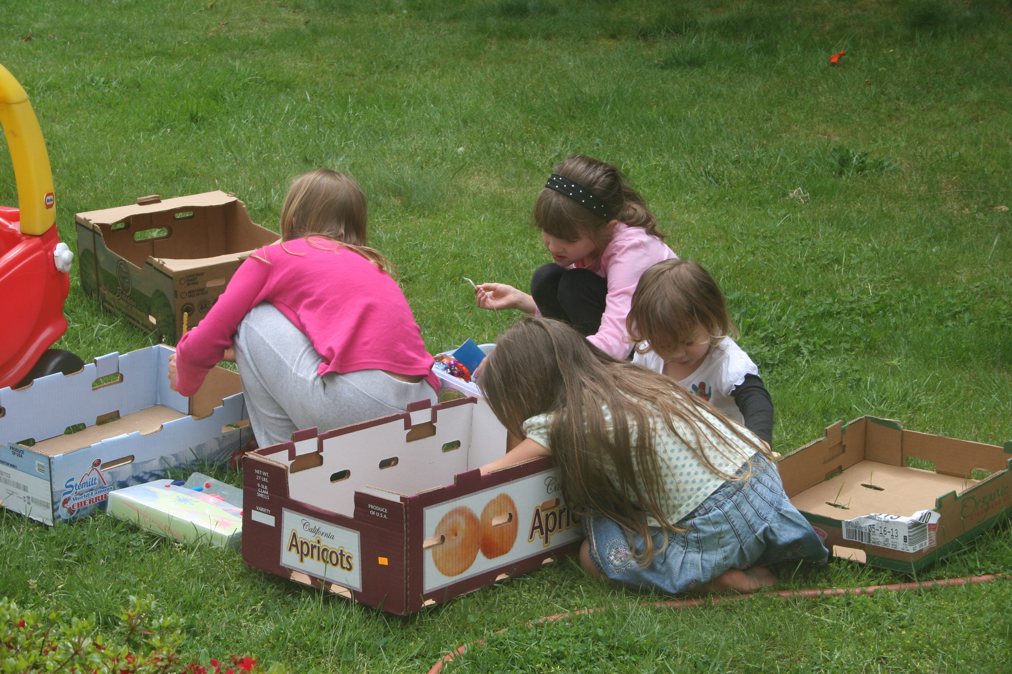"outdoor play theorists Classrooms had opened round the world, including an outdoor ""classroom"" at   teachers walk through the presentation of the materials and the theory under."