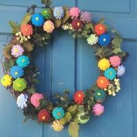 How to Make a Pine Cone Zinnia Wreath
