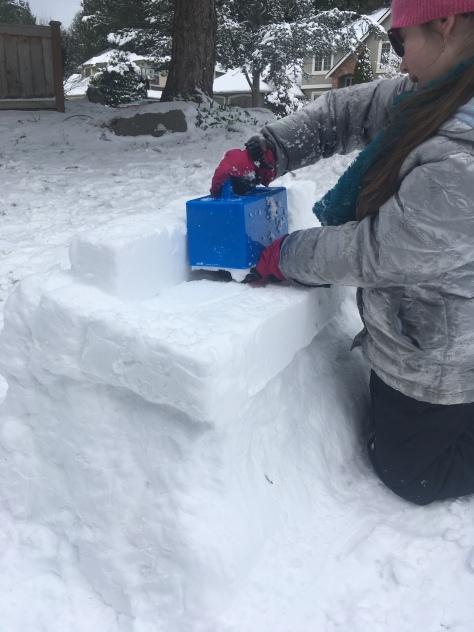 snoopy snow sculpture