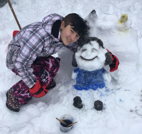 lucy van pelt snow sculpture